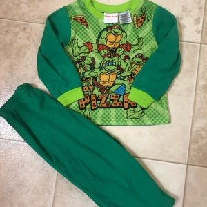 4 for $12 ninja turtles PJ set pant/shirt 3T